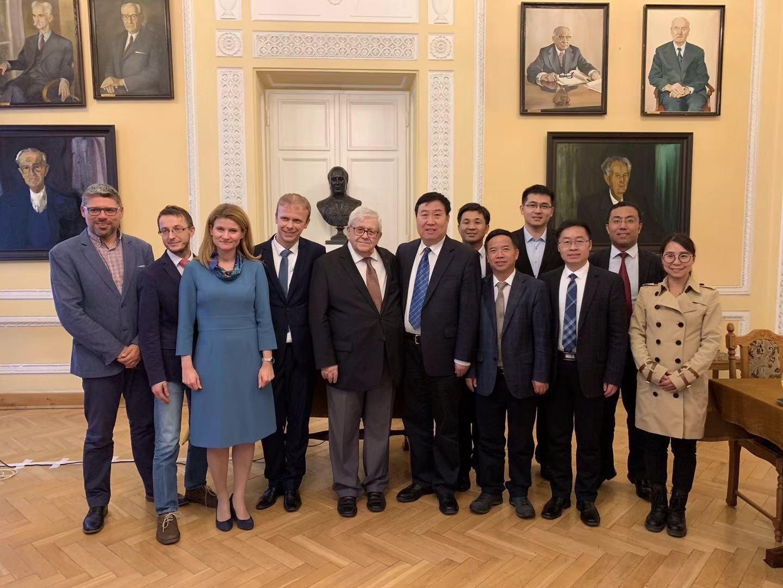 中国、波兰地理学会代表团合影.jpg